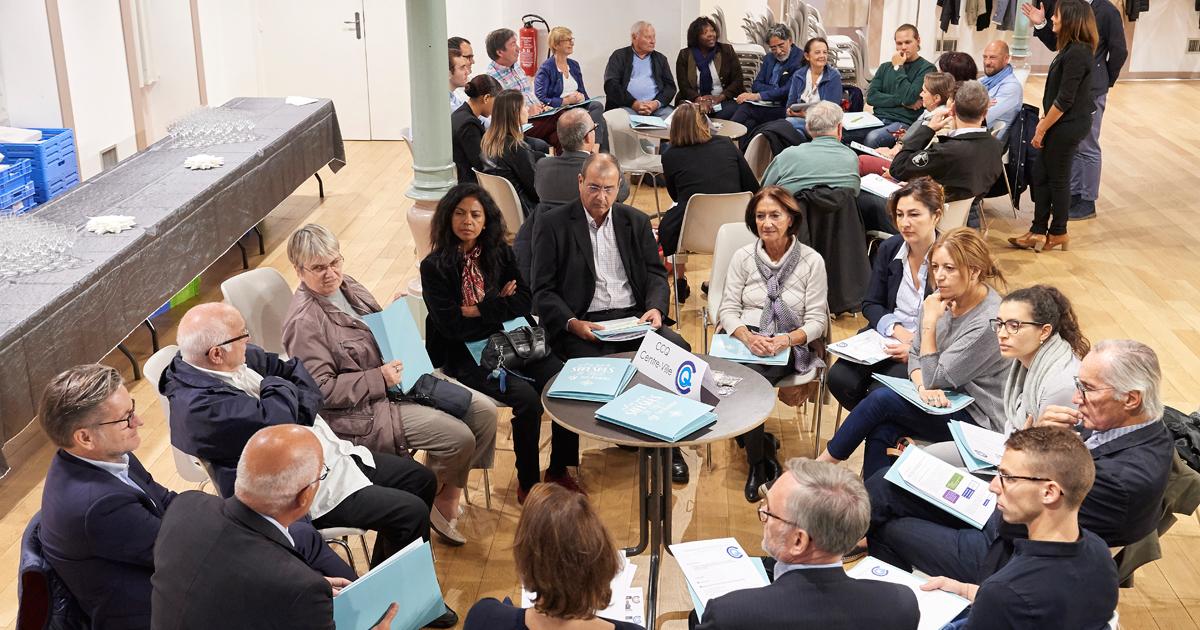 Réunion des membres des CCQ lors de leur réunion plénière.