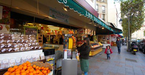 Rue commerçante de Suresnes.