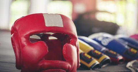 Casque de boxe thaïlandaise