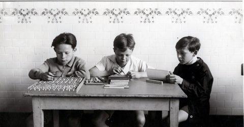 Image de présentation de la vidéo de l'exposition temporaire Bâtir l'école.